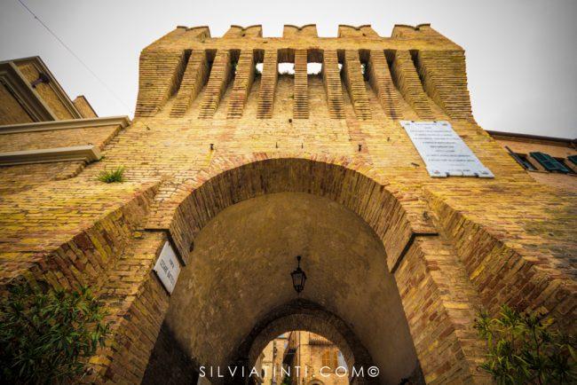 Montecassiano - Porta d'ingresso al centro storico-1